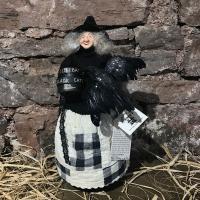 Aunt Liz's Attic - Crannie Crow