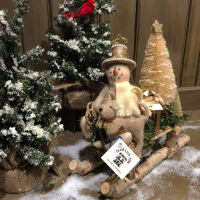 Aunt Liz's Attic - Winter White
